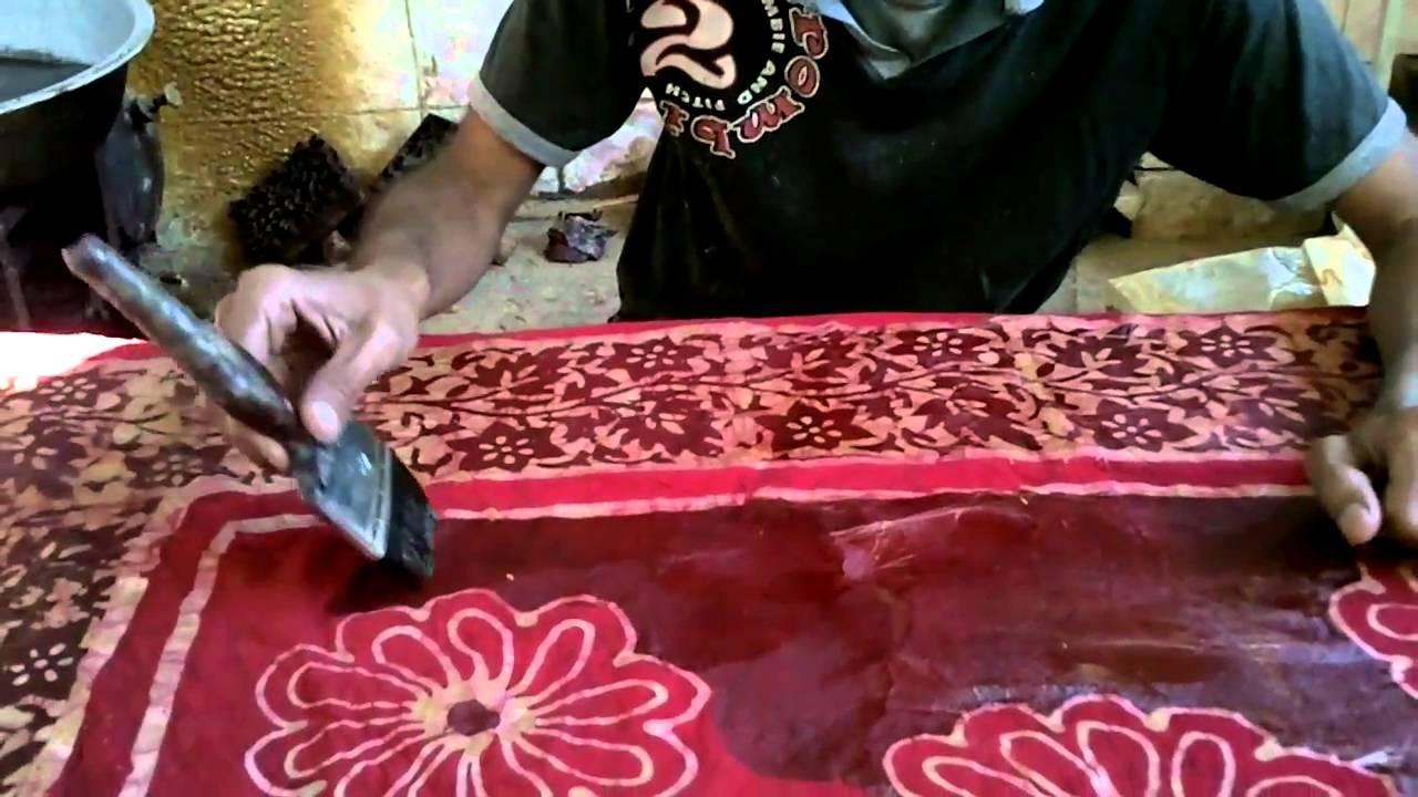 Wax Batik Artisan In India Youtube