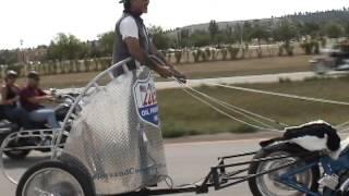 clip-2005-08-11 01;06;11.dv motorcycle chariot racing