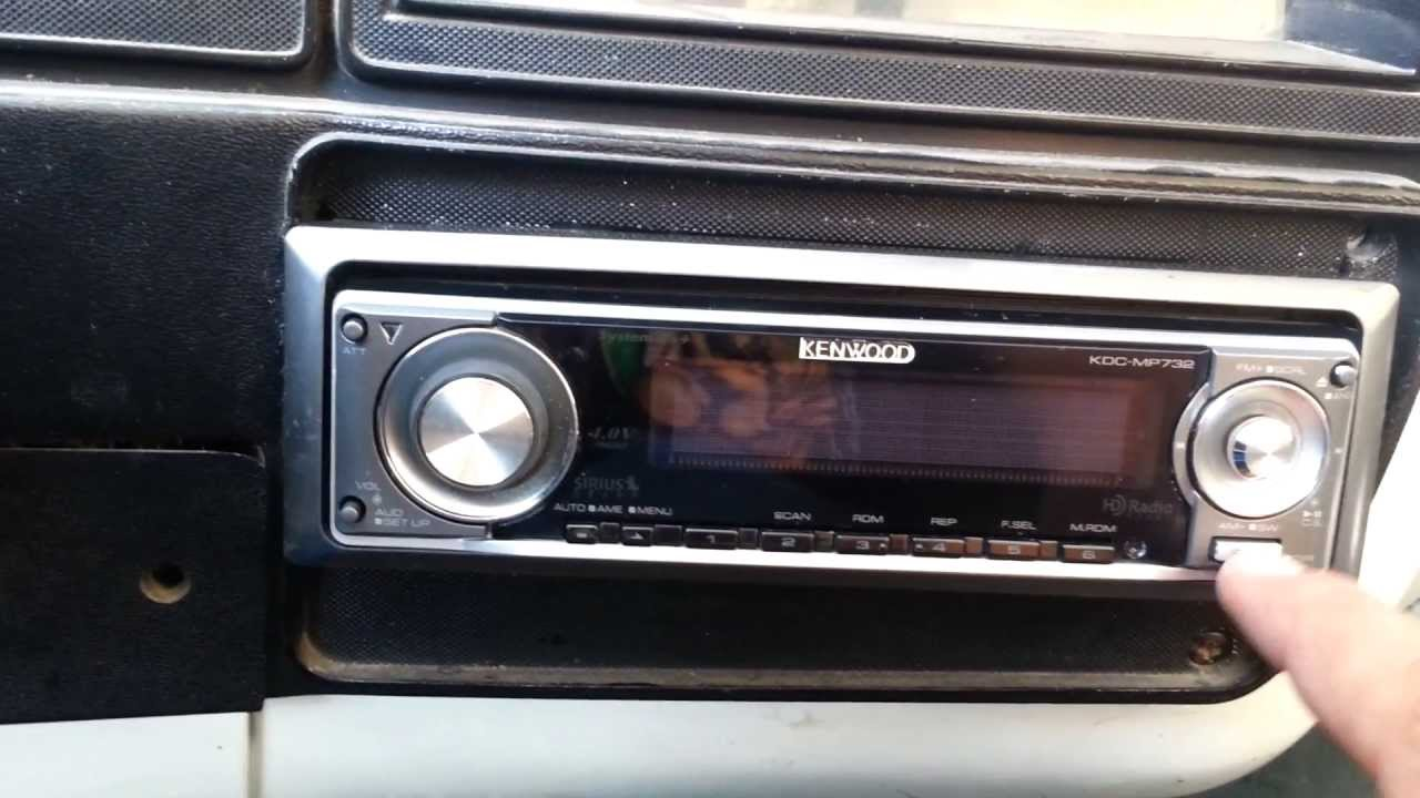 Kenwood KDC-MP4028, more than 10 years later!!! by Sergio Diaz on