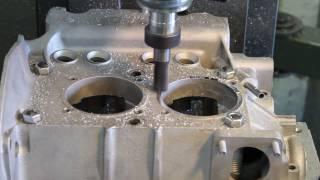 Gembler Motorenbau: Planen der Zylinderauflage am VW Käfer Motor