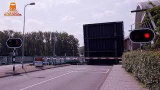 DUTCH BRIDGE OPENS  - Urk - Urkersluis