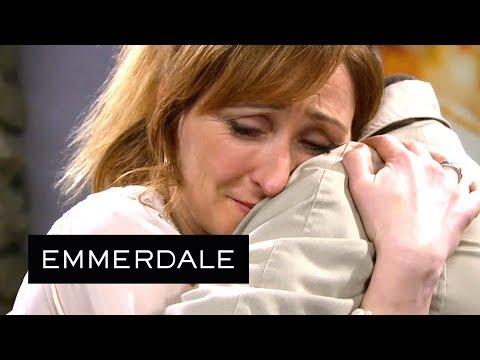 Emmerdale - Laurel Immediately Takes Bob Back