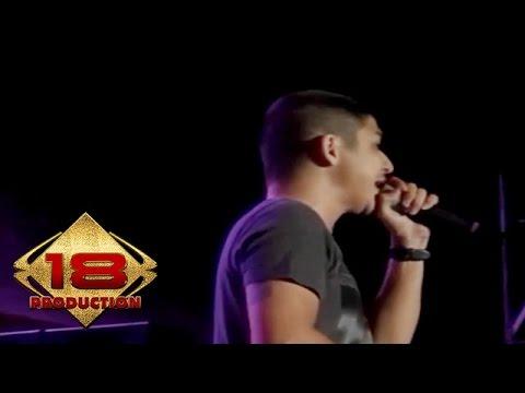 Ungu - Ciuman Pertama (Live Konser Salatiga Sumut 14 September 2013)