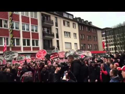 FC-Fans singen für den Erhalt der Fankultur