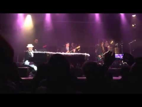 The Elton Show live at USF Verftet in Bergen/N on May 3, 2014. Funeral for a friend intro (cut).