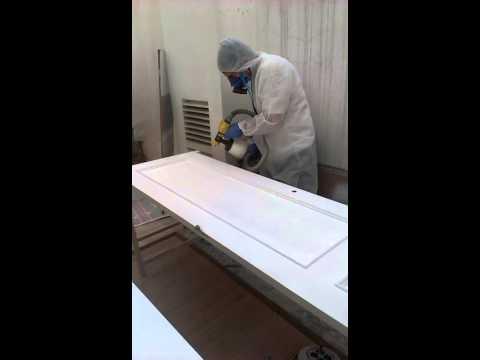 Lacar puertas de pino en blanco youtube for Lacar puertas en blanco