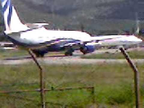 Aerodrom Tivat sletanje aviona 1 maj 2010 BDP - YouTube