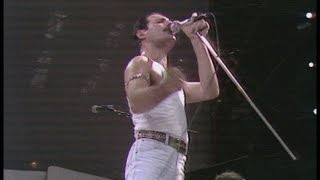 This is the absolute ULTIMATE experience of Queen's set at LIVE AID...