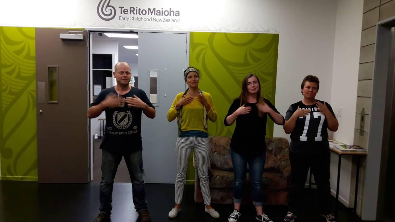 Ngā rā o te wiki sign language - ECNZ REO Nominate 2016