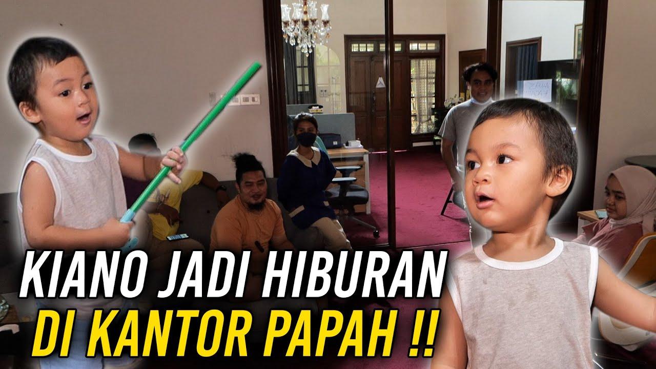 KIANO JADI HIBURAN DIKANTOR PAPAH !!!