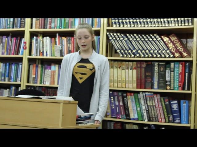 Изображение предпросмотра прочтения – МарияСорокина читает произведение «Не русский я, но - россиянин!» (Карим Мустай)