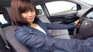 潮風を感じながら安枝瞳ちゃんと行くドライブデート。 収納力の高いパッ...