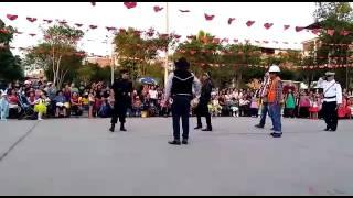 Papis bailando 2