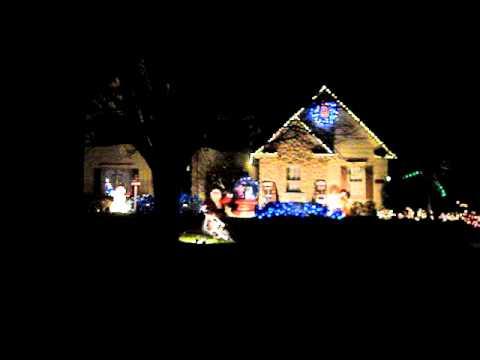 Christmas light/music display in Avon, Ohio