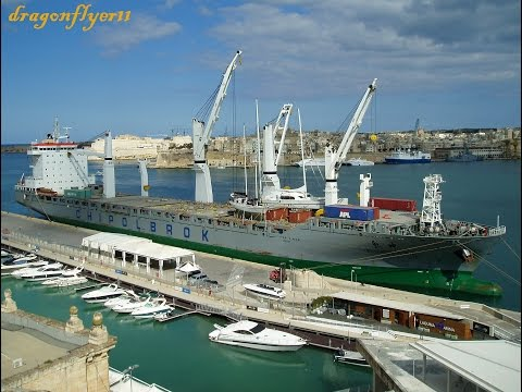 ⚓ shipspotting Valletta/Malta: General Cargo Ship CHIPOLBROK COSMOS IMO9432165