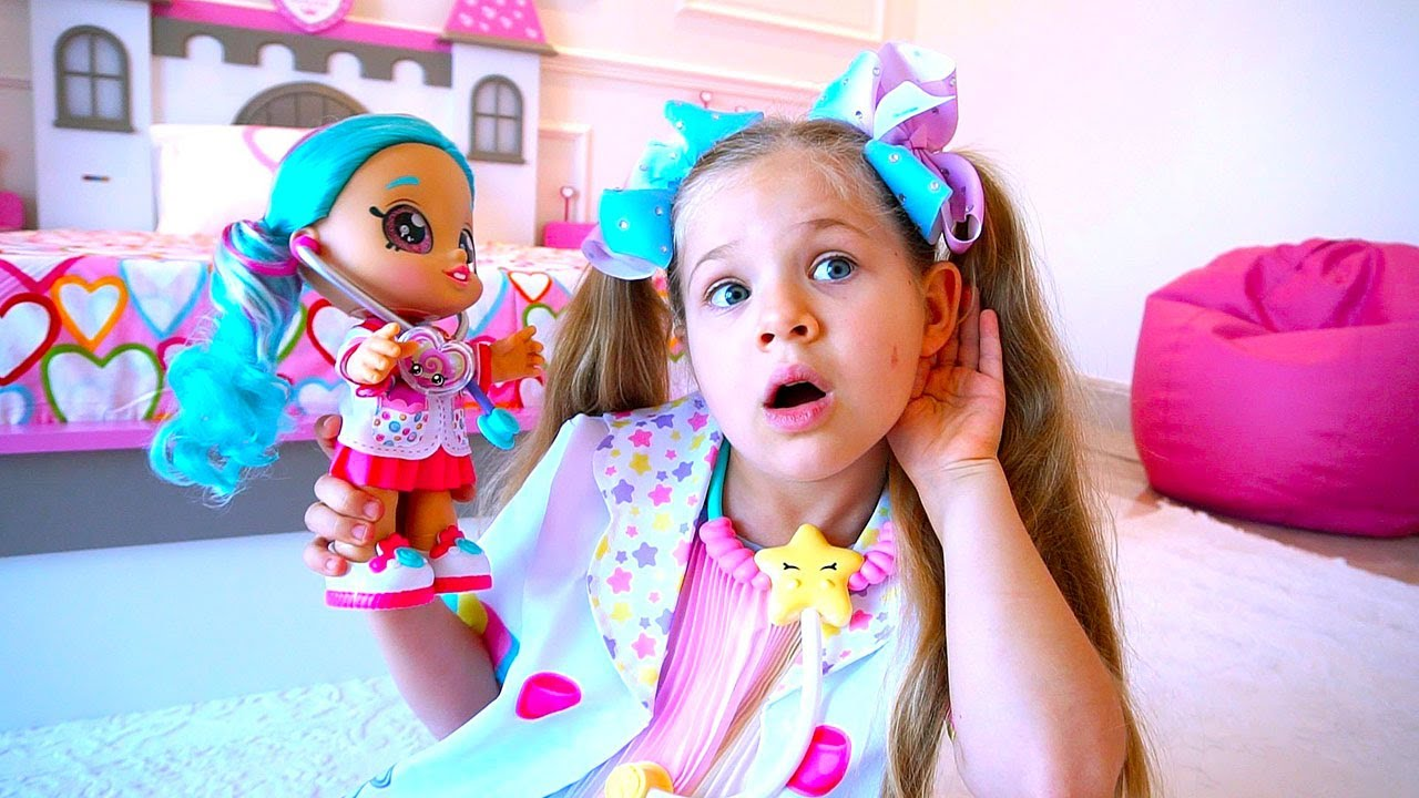 Diana plays with new Kindi Kids toys