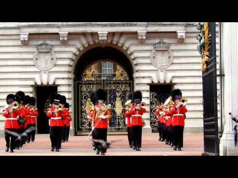 Horse parade at Buckingham - Welsh Guards The Duke of York's March