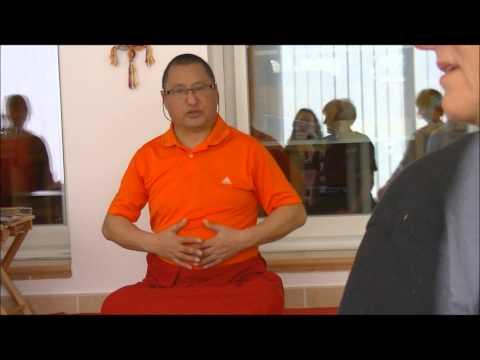 yoga tibétain de Naropa par Ven. Tharchin Rinpoché