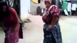 Repeat youtube video Baile de mujeres indígenas de Guatemala