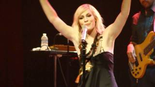 "Natasha Bedingfield - ""Neon Lights"" (Live in San Diego 7-2-11)"