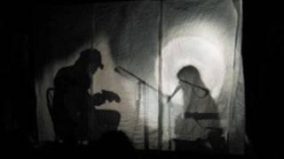 Feist - Graveyard (lyrics)