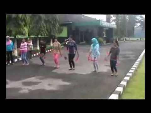 VIDEO TARI CAKALELE YONIF 406/CK