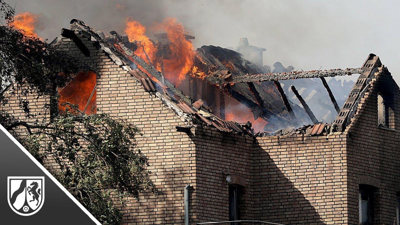 Großbrand in Siegburg in NRW erfasst acht Häuser - 550 ...