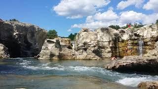 Cascades du Sautadet  Natürliche Fischtreppe im Wasserfall. Südfrankreich Juli 2018