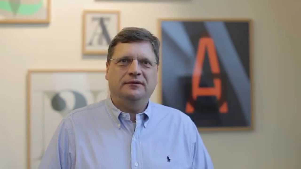 MBA på et minut | Hør hvorfor Ulrich Foged læser en MBA på dansk på Niels Brock