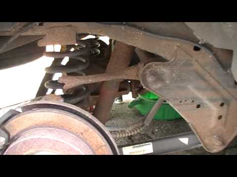 1999 Upper Trailing Arm Ford Expedition - YouTube