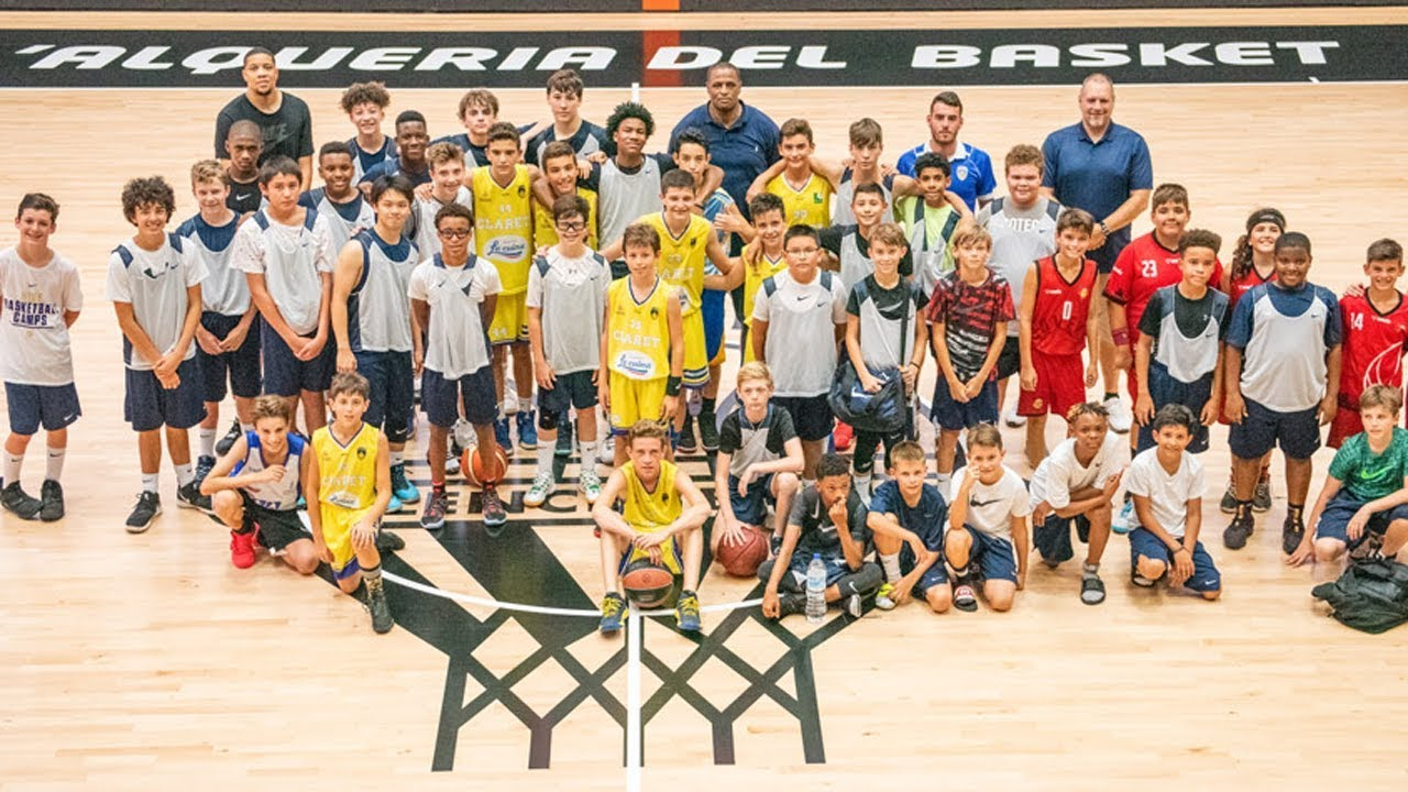 puerta pantalones fábrica  First Nike Basketball Camp Team Returns Home from Tour of Spain
