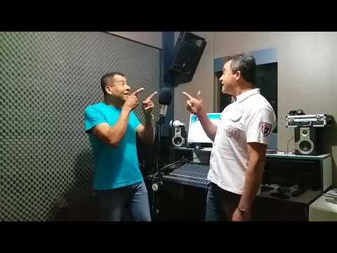 A Dupla joao Carlos e natalino cantando a música passaporte carimbadocompartilhe