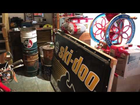 Cool Finds! unpacking a collection of antique oil cans and signs!