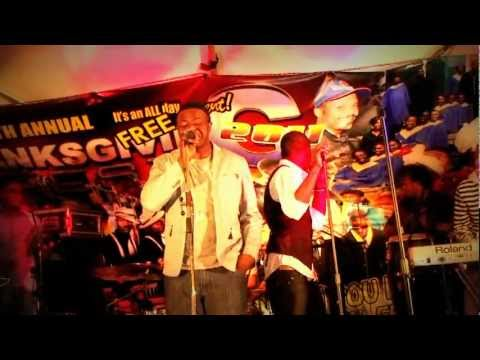 INNOVATION MIZIK SOUND CHECK AT THE THANKSGING FEST NOV 24 2011