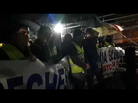 Centenares de personas piden la continuidad de Alcoa en San Cibrao