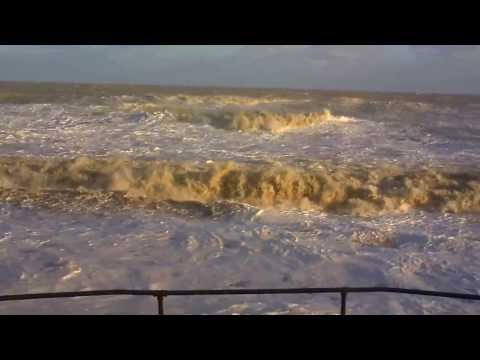 MUNDESLEY 60 year highest sea surge and damage below The Ship Inn (5.2 metre 06 Dec 2013)