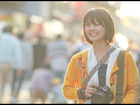 小さい頃に過ごした街に戻ってきた女性フォトグラファーは…!映画『きみとみる風景』予告編
