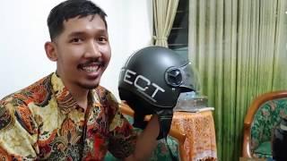 Nyobain Helm Cargloss YR klasik dan trendi
