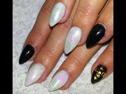 how to use nail art foil  balck and white almond shaped
