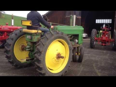 Ablad mit Seitenlader  von John Deere Oldtimer Traktoren ( Bäumle Transport AG  Basel )