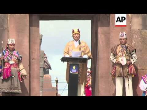 President dresses like Inca emperor at ceremony