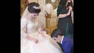 Жених выкупает туфельку невесты Брат надевает невесте туфельку Красивая Армянская свадьба в Ереване