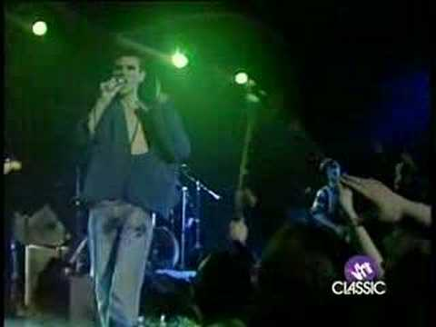 The Smiths - 04 Pretty Girls Make Graves (Derby 83)