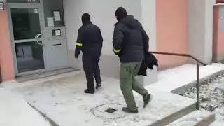 Policajná razia v Petržalke: zadržali bývalého šoféra Zsuzsovej
