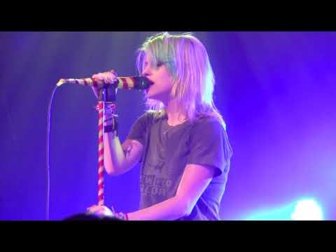 Paramore - Turn It Off - Nashville
