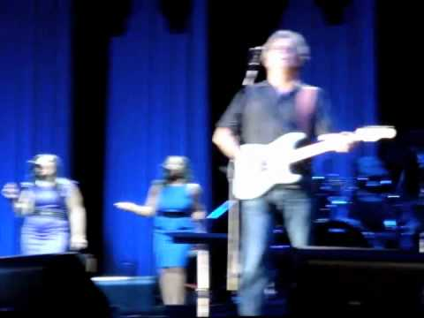 Eric Clapton Wonderful Tonight Live in Abu Dhabi