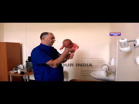 Watch how this Orthopedic doctor examines infants