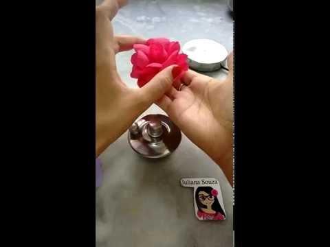 Flor engomada de tecido, com Juliana Souza
