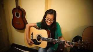 Diệu Vy - Tangled - I see the light (at Acoustica Guitar Class)