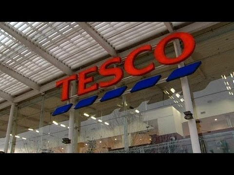 Tesco shares hit 14-year low after fresh profits warning
